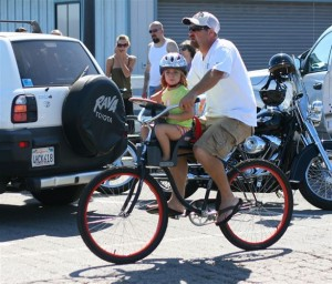 bicycle-cycling-with-small-children